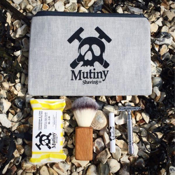 washbag and shaving set